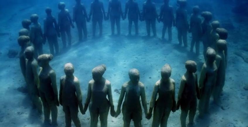 カンクン海底美術館(メキシコ)